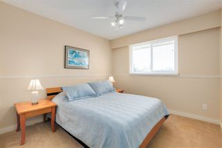 """Photo 12: 14259 19A Avenue in Surrey: Sunnyside Park Surrey House for sale in """"OCEAN BLUFF"""" (South Surrey White Rock)  : MLS®# R2446689"""