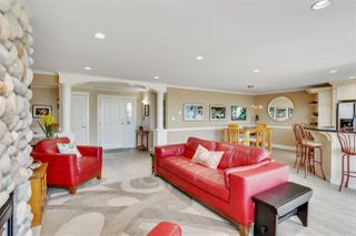 Photo 3: 301 15505 MARINE Drive: White Rock Condo for sale (South Surrey White Rock)  : MLS®# R2471045