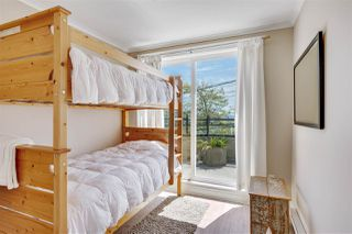 Photo 14: 301 15505 MARINE Drive: White Rock Condo for sale (South Surrey White Rock)  : MLS®# R2471045