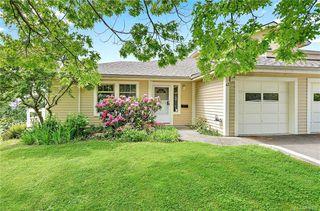 Photo 1: 43 909 Admirals Rd in Esquimalt: Es Esquimalt Row/Townhouse for sale : MLS®# 839509