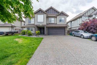 Photo 1: 8535 THORPE STREET in Mission: Mission BC House for sale : MLS®# R2465227