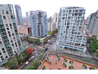 "Photo 6: 1607 1189 HOWE Street in Vancouver: Downtown VW Condo for sale in ""GENESIS"" (Vancouver West)  : MLS®# V853250"