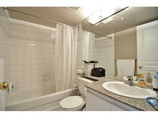 "Photo 7: 1607 1189 HOWE Street in Vancouver: Downtown VW Condo for sale in ""GENESIS"" (Vancouver West)  : MLS®# V853250"