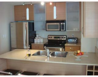 "Photo 2: 601 928 HOMER Street in Vancouver: Downtown VW Condo for sale in ""YALETOWN 1"" (Vancouver West)  : MLS®# V748747"