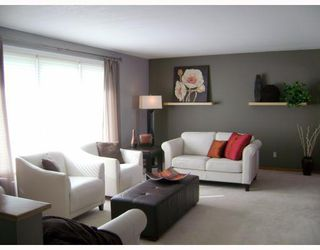 Photo 3:  in WINNIPEG: East Kildonan Residential for sale (North East Winnipeg)  : MLS®# 2908956