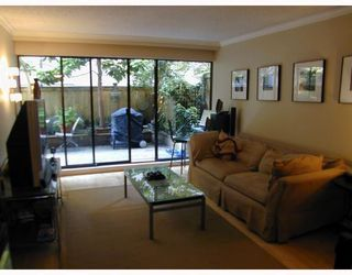 "Photo 2: 105 2416 W 3RD Avenue in Vancouver: Kitsilano Condo for sale in ""LANDMARK REEF"" (Vancouver West)  : MLS®# V774540"