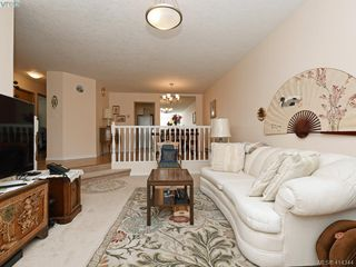 Photo 3: 596 Phelps Avenue in VICTORIA: La Thetis Heights Half Duplex for sale (Langford)  : MLS®# 414344