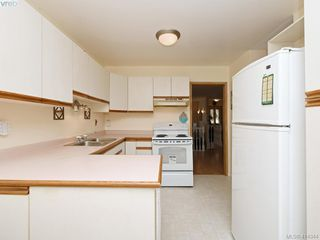 Photo 9: 596 Phelps Avenue in VICTORIA: La Thetis Heights Half Duplex for sale (Langford)  : MLS®# 414344