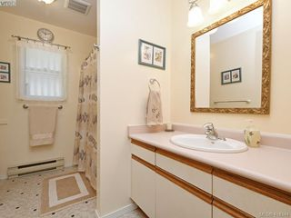Photo 16: 596 Phelps Avenue in VICTORIA: La Thetis Heights Half Duplex for sale (Langford)  : MLS®# 414344