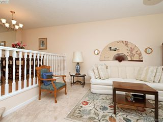 Photo 4: 596 Phelps Avenue in VICTORIA: La Thetis Heights Half Duplex for sale (Langford)  : MLS®# 414344