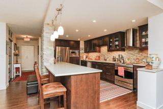Photo 5: 304 11710 100 Avenue NW in Edmonton: Zone 12 Condo for sale : MLS®# E4192546