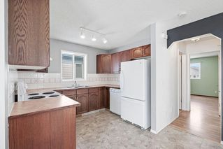 Photo 10: 270 Erin Circle SE in Calgary: Erin Woods Detached for sale : MLS®# C4292742