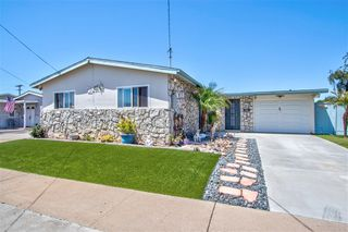 Photo 3: CLAIREMONT House for sale : 3 bedrooms : 5250 Conrad Ave. in San Diego