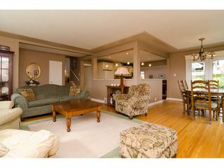 """Photo 6: 15789 CLIFF Avenue: White Rock House for sale in """"EAST BEACH HILLSIDE"""" (South Surrey White Rock)  : MLS®# R2456817"""