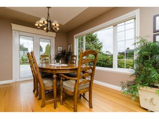 """Photo 7: 15789 CLIFF Avenue: White Rock House for sale in """"EAST BEACH HILLSIDE"""" (South Surrey White Rock)  : MLS®# R2456817"""
