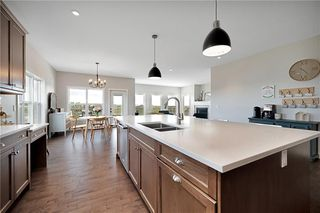 Photo 11: 1022 Carriage Lane Drive: Carstairs Detached for sale : MLS®# C4300327