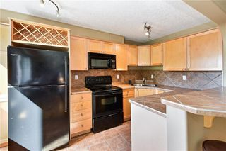 Photo 3: 303 823 5 Street NE in Calgary: Renfrew Apartment for sale : MLS®# C4305062