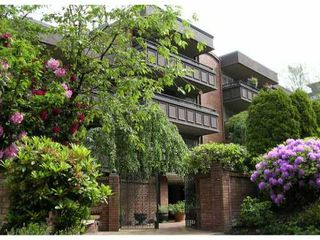 Photo 1: 201 1405 W 15TH Avenue in Vancouver: Fairview VW Condo for sale (Vancouver West)  : MLS®# V831874