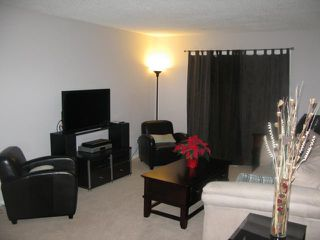 Photo 2: 1075 Chancellor Drive in WINNIPEG: Fort Garry / Whyte Ridge / St Norbert Residential for sale (South Winnipeg)  : MLS®# 1020116