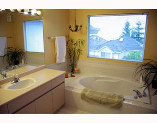 "Photo 9: 38 2990 PANORAMA Drive in Coquitlam: Westwood Plateau Townhouse for sale in ""WESBROOK VILLAGE"" : MLS®# V768307"