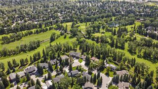 Photo 2: 10907 WILLOWFERN Drive SE in Calgary: Willow Park Detached for sale : MLS®# C4304944