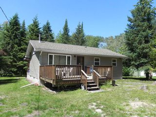 Photo 1: 97002 RD 42E Road in Gull Lake: R27 Residential for sale