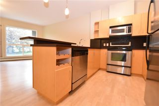 Photo 2: 105 69 SPRINGBOROUGH Court SW in Calgary: Springbank Hill Apartment for sale : MLS®# C4305544