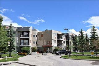 Photo 1: 105 69 SPRINGBOROUGH Court SW in Calgary: Springbank Hill Apartment for sale : MLS®# C4305544