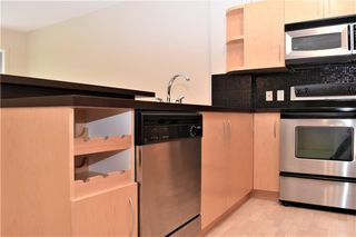 Photo 4: 105 69 SPRINGBOROUGH Court SW in Calgary: Springbank Hill Apartment for sale : MLS®# C4305544