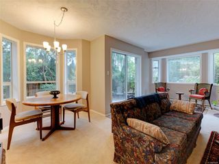 Photo 9: 1051 Richardson St in : Vi Fairfield West Row/Townhouse for sale (Victoria)  : MLS®# 858496