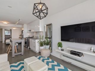 "Photo 2: 605 231 E PENDER Street in Vancouver: Strathcona Condo for sale in ""FRAMEWORK"" (Vancouver East)  : MLS®# R2525315"