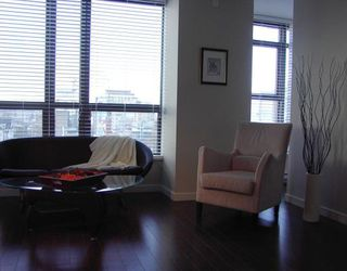 "Photo 4: 1005 1068 W BROADWAY BB in Vancouver: Fairview VW Condo for sale in ""THE ZONE"" (Vancouver West)  : MLS®# V797290"