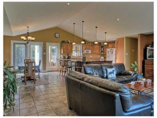 Photo 2: 77088 Pearson Drive in TYNDALL: Beausejour / Tyndall Residential for sale (Winnipeg area)  : MLS®# 1000498