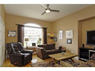 Photo 3: 2363 Selwyn Rd in VICTORIA: La Thetis Heights Single Family Detached for sale (Langford)  : MLS®# 537894