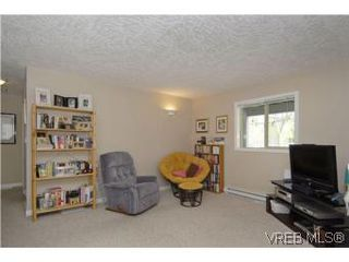 Photo 16: 2363 Selwyn Rd in VICTORIA: La Thetis Heights Single Family Detached for sale (Langford)  : MLS®# 537894