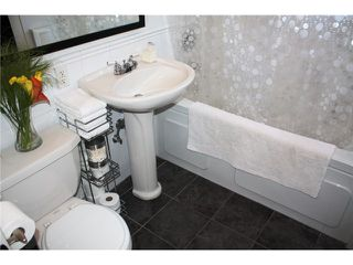 """Photo 10: 203 1075 W 13TH Avenue in Vancouver: Fairview VW Condo for sale in """"MARIE COURT"""" (Vancouver West)  : MLS®# V852821"""