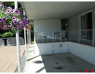 "Photo 2: 99 15875 20TH Avenue in Surrey: King George Corridor Manufactured Home for sale in ""Searidge Bays"" (South Surrey White Rock)  : MLS®# F2820551"