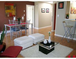 """Photo 3: 306 10678 138A Street in Surrey: Whalley Condo for sale in """"Crestview Court"""" (North Surrey)  : MLS®# F2821150"""