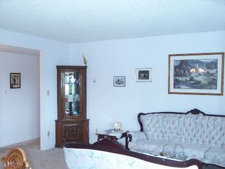Photo 8: 418 - 31955 Old Yale Road: House for sale (Clearbrook)