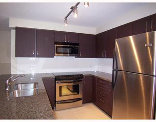 "Photo 2: 209 7339 MACPHERSON Avenue in Burnaby: Metrotown Condo for sale in ""CADENCE"" (Burnaby South)  : MLS®# V743164"