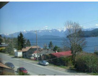 Photo 2: 3 565 SEAVIEW Road in Gibsons: Gibsons & Area Townhouse for sale (Sunshine Coast)  : MLS®# V768347