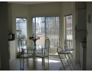 "Photo 3: 47 12411 JACK BELL Drive in Richmond: East Cambie Townhouse for sale in ""FRANCISCO VILLAGE"" : MLS®# V775490"