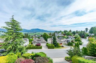 "Photo 2: 2317 MOUNTAIN Drive in Abbotsford: Abbotsford East House for sale in ""Mountain Village"" : MLS®# R2409972"