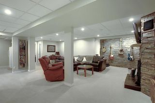Photo 23: 408 QUEENSLAND Circle SE in Calgary: Queensland Detached for sale : MLS®# A1020270