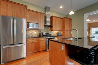 Photo 6: 1319 Stanley Ave in : Vi Fernwood House for sale (Victoria)  : MLS®# 856049
