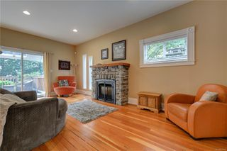 Photo 10: 1319 Stanley Ave in : Vi Fernwood House for sale (Victoria)  : MLS®# 856049