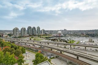"""Main Photo: 1909 688 ABBOTT Street in Vancouver: Downtown VW Condo for sale in """"FIRENZE II"""" (Vancouver West)  : MLS®# R2510636"""