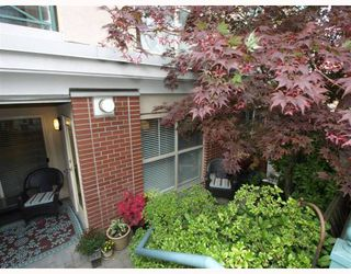 "Photo 3: 113-332 Lonsdale Avenue in North Vancouver: Lower Lonsdale Condo for sale in ""CALYPSO"" : MLS®# V790136"