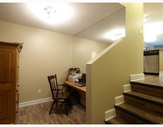 "Photo 8: 113-332 Lonsdale Avenue in North Vancouver: Lower Lonsdale Condo for sale in ""CALYPSO"" : MLS®# V790136"