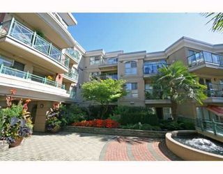 "Photo 2: 113-332 Lonsdale Avenue in North Vancouver: Lower Lonsdale Condo for sale in ""CALYPSO"" : MLS®# V790136"